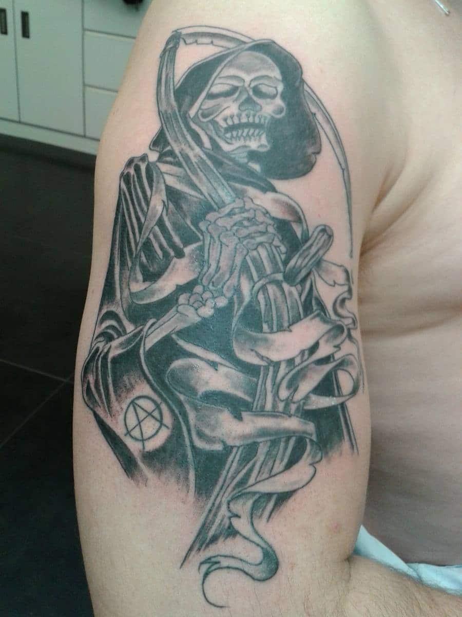 Faucheuse tarzan tarzan tattoo - Tatouage la faucheuse ...